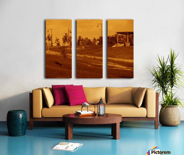 G (6) Split Canvas print