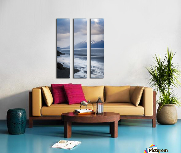Authentic Alaska Split Canvas print