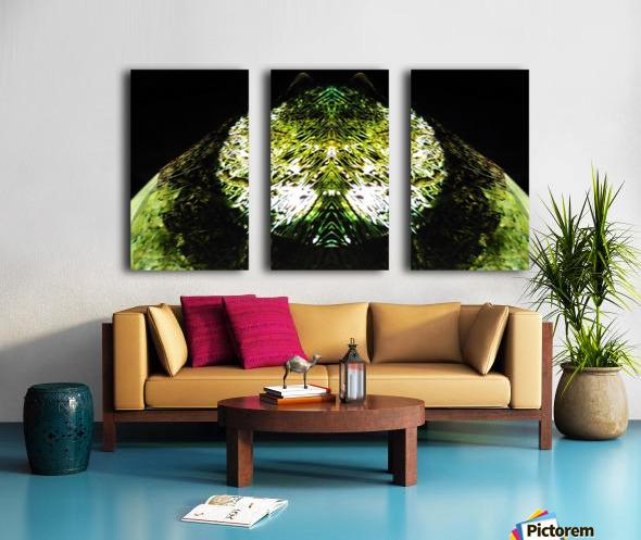 1538532649105 Split Canvas print