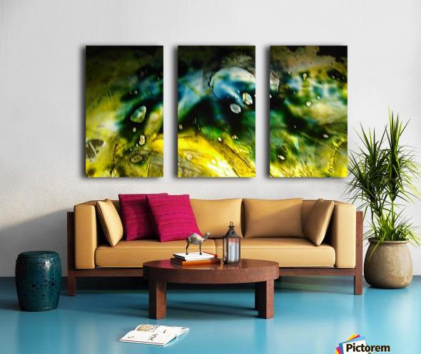 1538656708090 Split Canvas print
