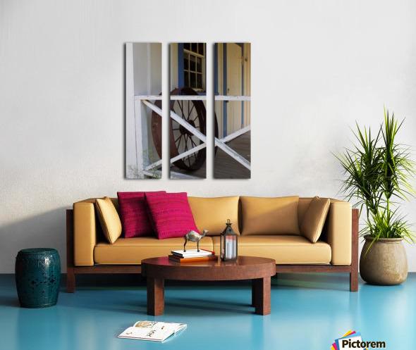 Wagon Wheel on Porch Split Canvas print