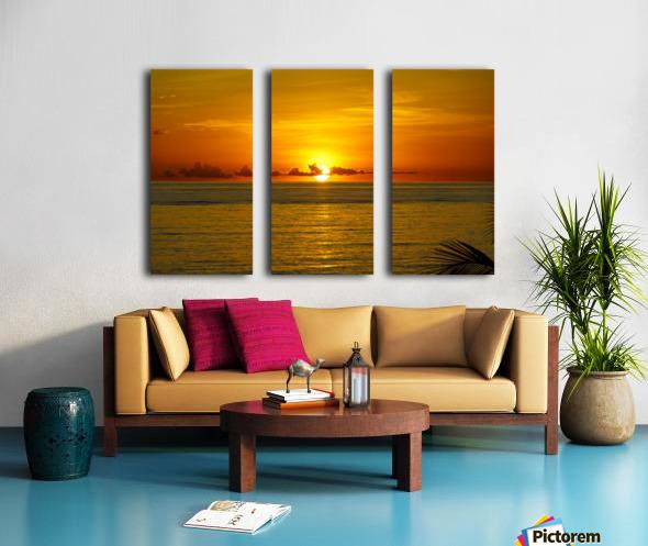 Sun rising on the ocean Split Canvas print
