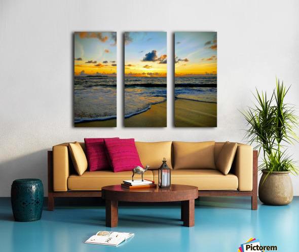 Eleuthera suds and sand Split Canvas print