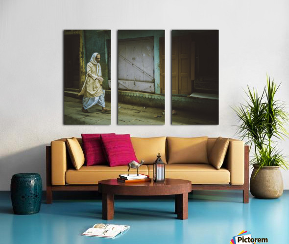 Varanasi Window - The Spy Split Canvas print