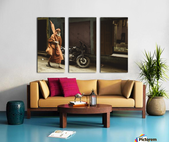 Varanasi Window - Pilgrim Split Canvas print