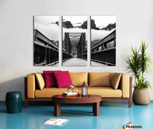 Canmore Iconic Engine Bridge Split Canvas print