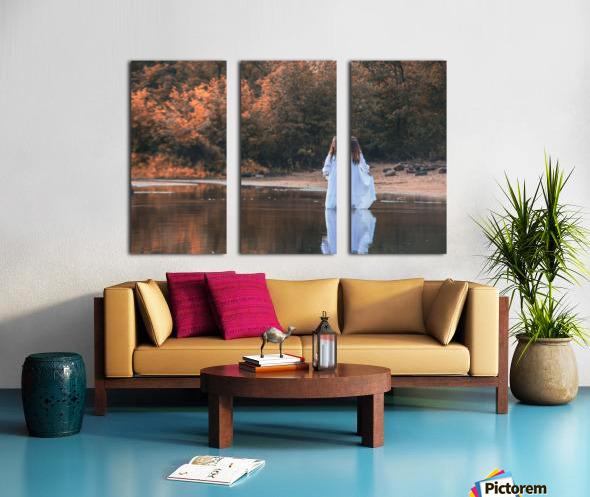 La dame du lac 2 Split Canvas print