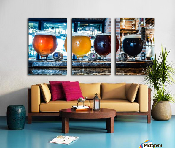 Good Beer with Good Friends Split Canvas print