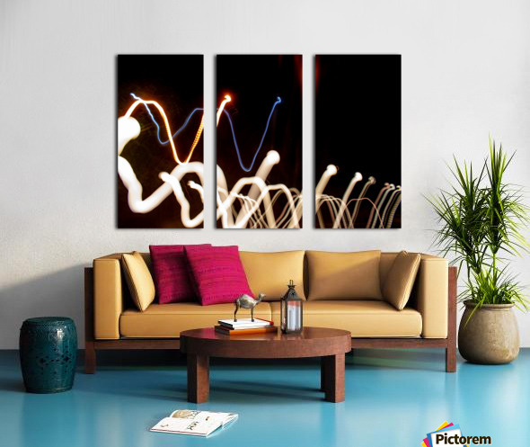 WHITE WORM Split Canvas print
