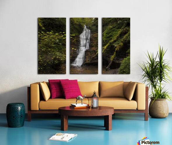 Water-Break-its-Neck landscape Split Canvas print