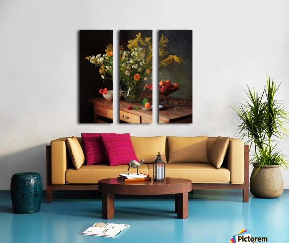 flower by   Split Canvas print