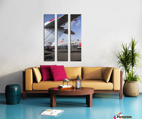 A Line of Planes Split Canvas print
