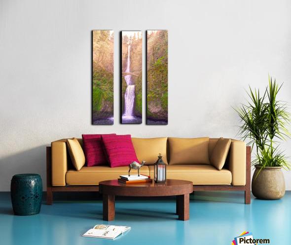 Multnomah Falls Bathed in Sunlight   Columbia River Gorge National Scenic Area   Oregon Pacific Northwest Split Canvas print