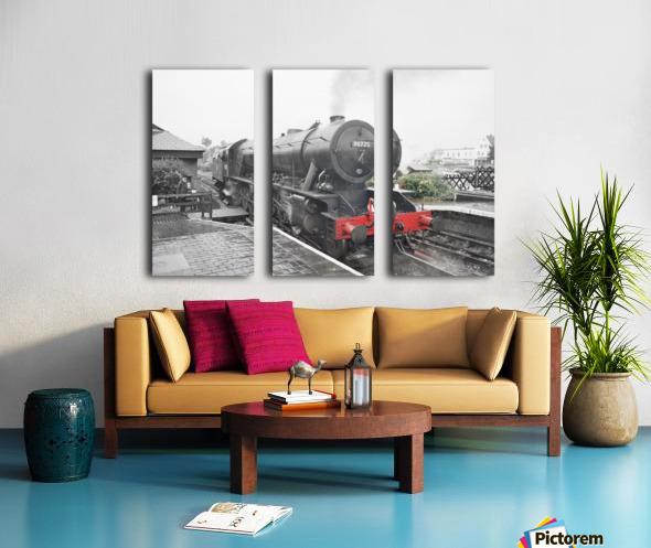 Old engine Split Canvas print