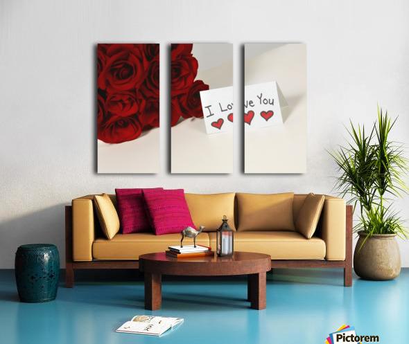 I Love You Card Beside Roses Split Canvas print