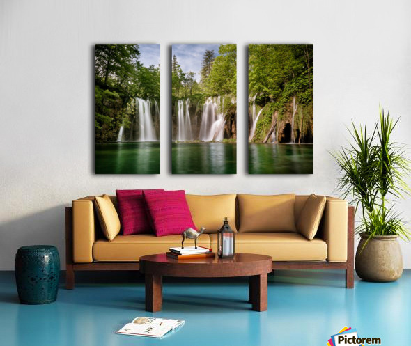 Idyllic Waterfall at Plitvice Lakes Split Canvas print