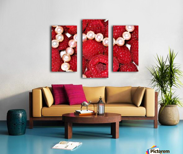 Raspberry pearls Canvas print