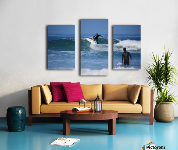Guy Surfing In California Canvas print