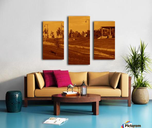 G (6) Canvas print
