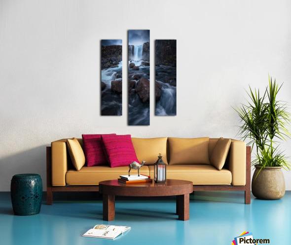Una cascada. Canvas print