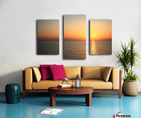 Warm horizon Canvas print