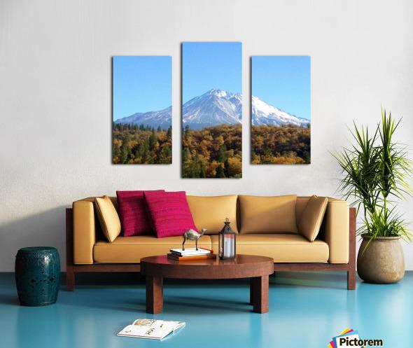 Mt Shasta in Autumn Canvas print
