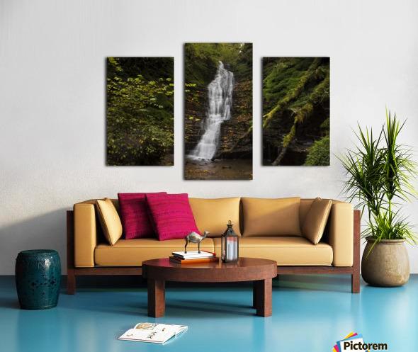 Water-Break-its-Neck landscape Canvas print