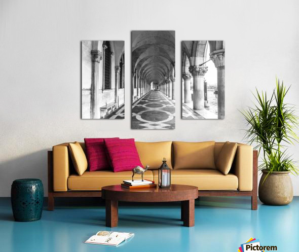 Doge's Palace archway in Venice, Italy Canvas print