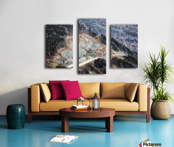 Mountain Moving Canvas print