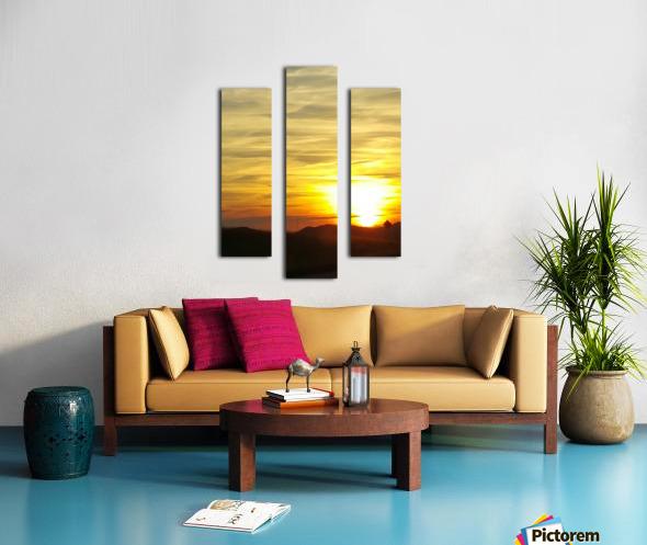 Vanishing Sun Canvas print