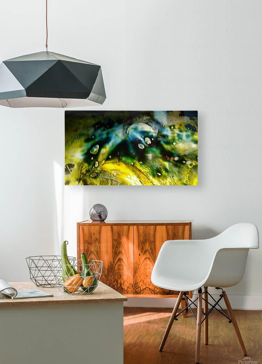 1538656708090  HD Metal print with Floating Frame on Back