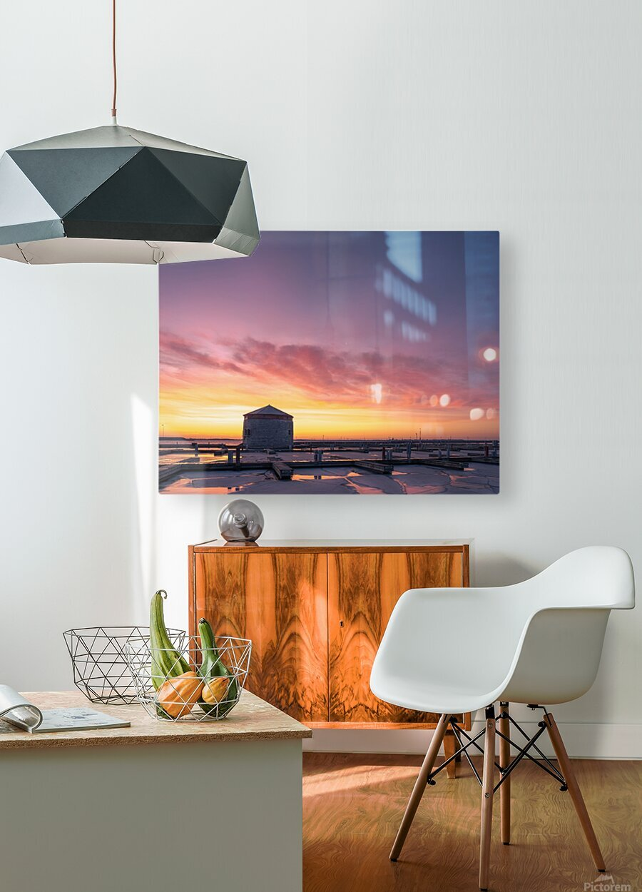 Martello  HD Metal print with Floating Frame on Back