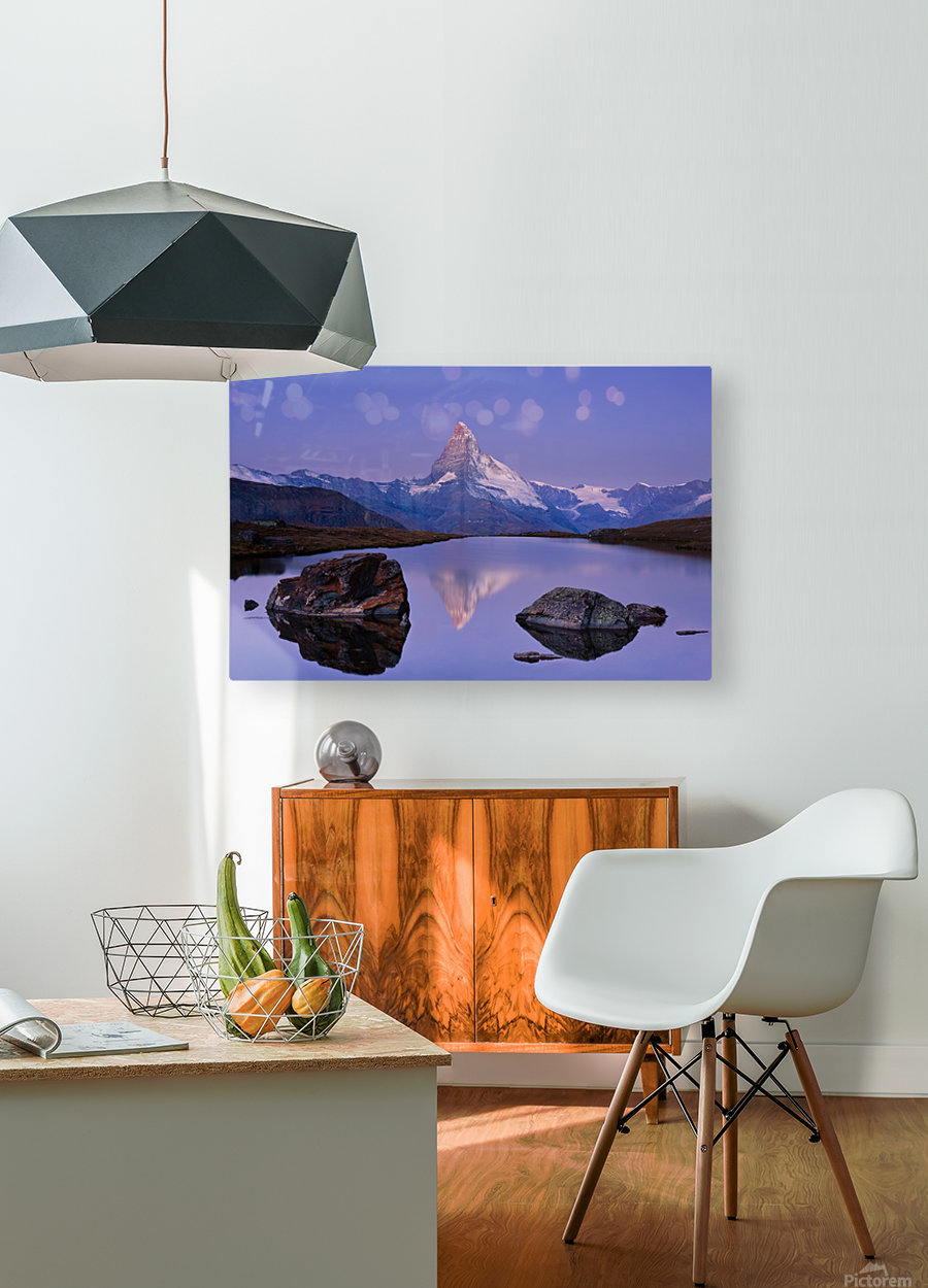 The first touch  HD Metal print with Floating Frame on Back