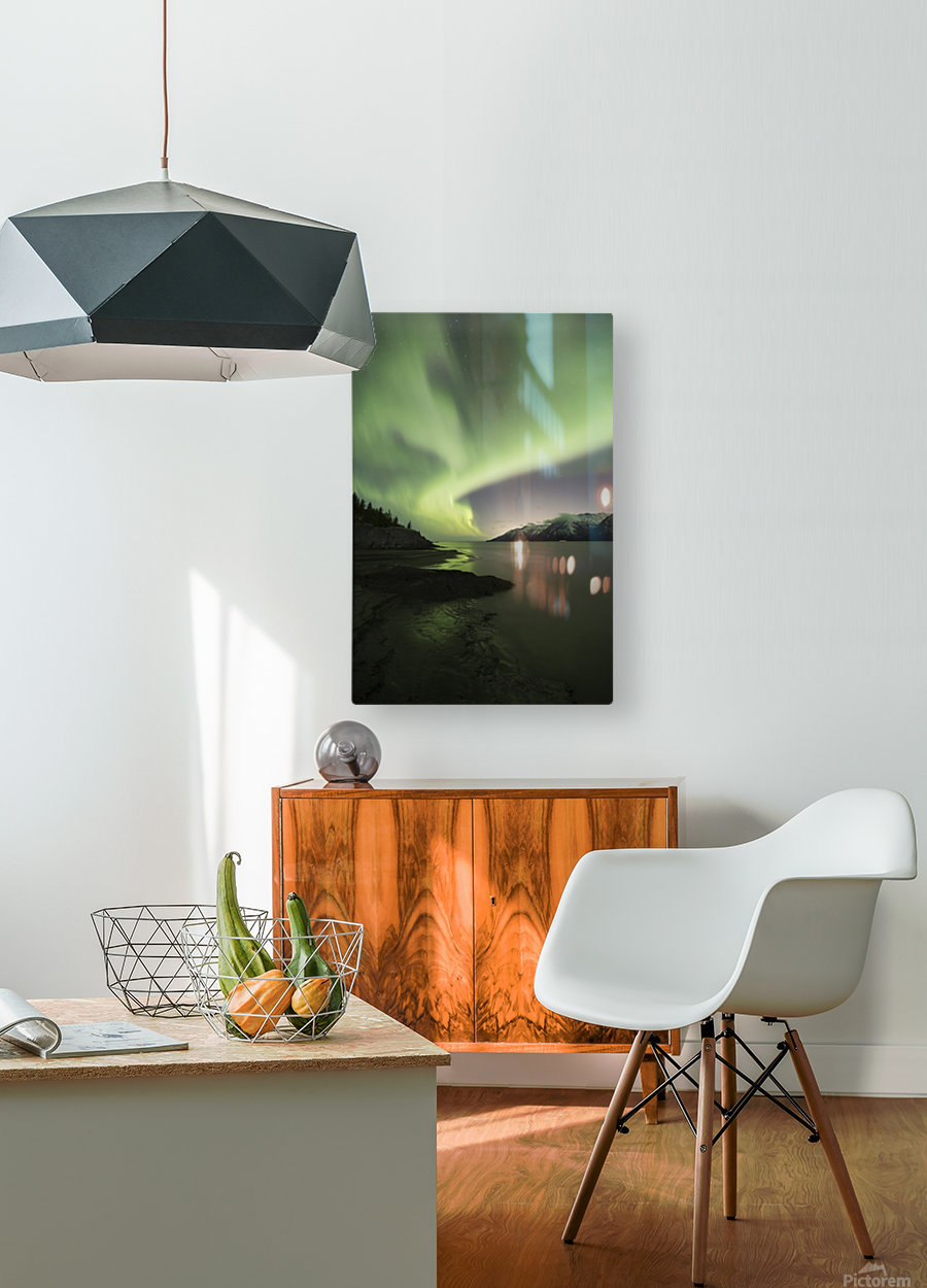 Aurora Borealis dancing above the Chugach Mountains and Turnagain Arm, Kenai Peninsula, Southcentral, Alaska  Impression métal HD avec cadre flottant sur le dos