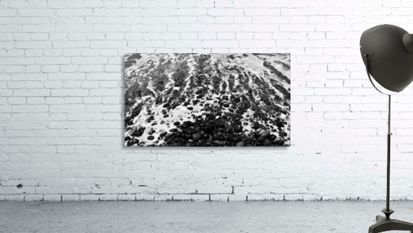 The Beach - Ocean waves in Black and White