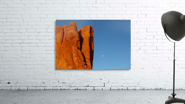 Red Rock and the Moon-BDR4129