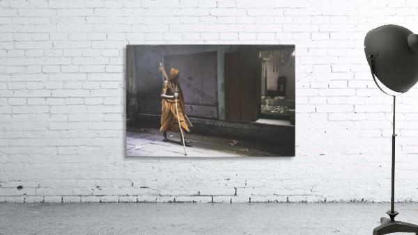 Varanasi Window - Walker