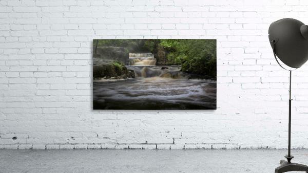 Rushing water at Horseshoe falls