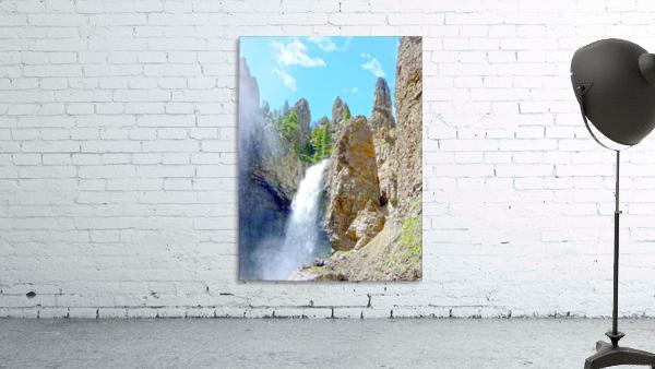 Yellowstone Waterfall - Grand Canyon of the Yellowstone River - Yellowstone National Park
