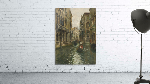A family outing on a Venetian canal