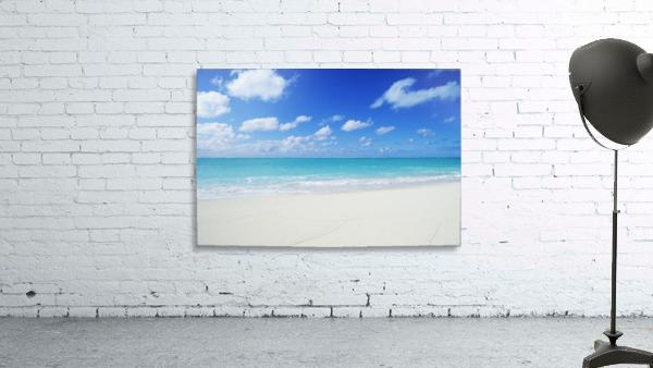 Northwestern Hawaiian Islands, Midway Atoll, Sand Island, Turquoise Ocean And White Sand Beach.