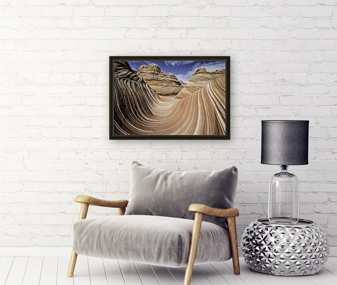 Sand Waves with Floating Frame