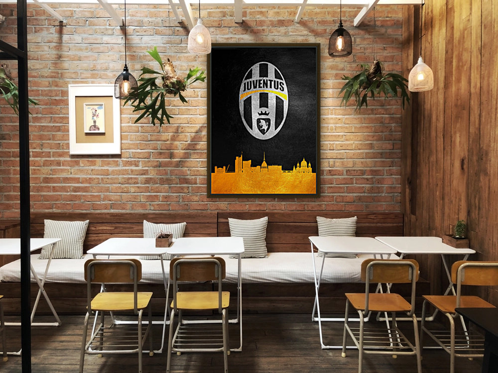 Juventus with Floating Frame