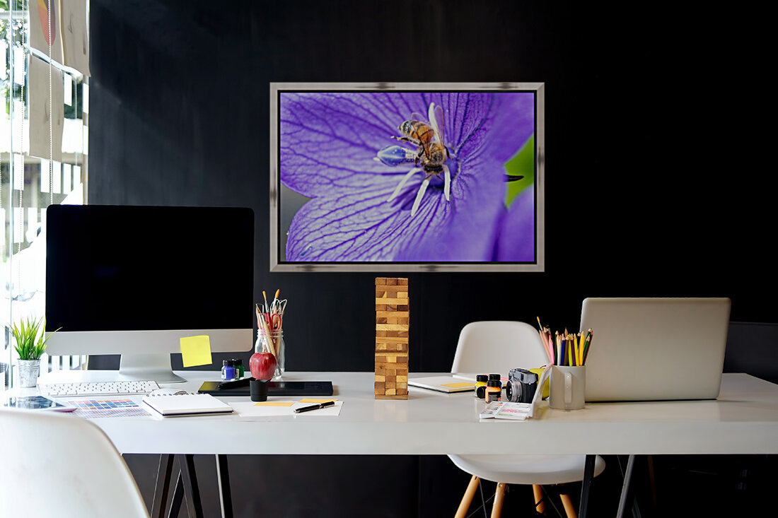 Pollinating Bee with Floating Frame