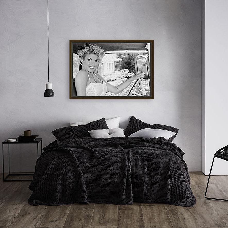 ©Lou Freeman Dark Glamour & Beauty Black & White    77  Art