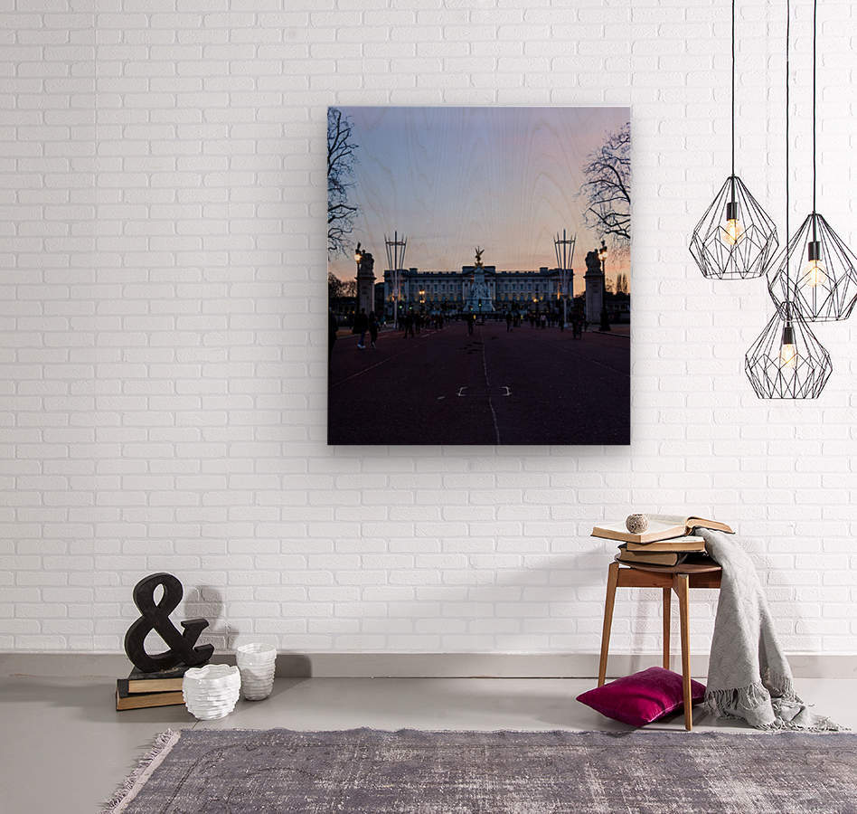 Dusk at Buckingham Palace London  Wood print