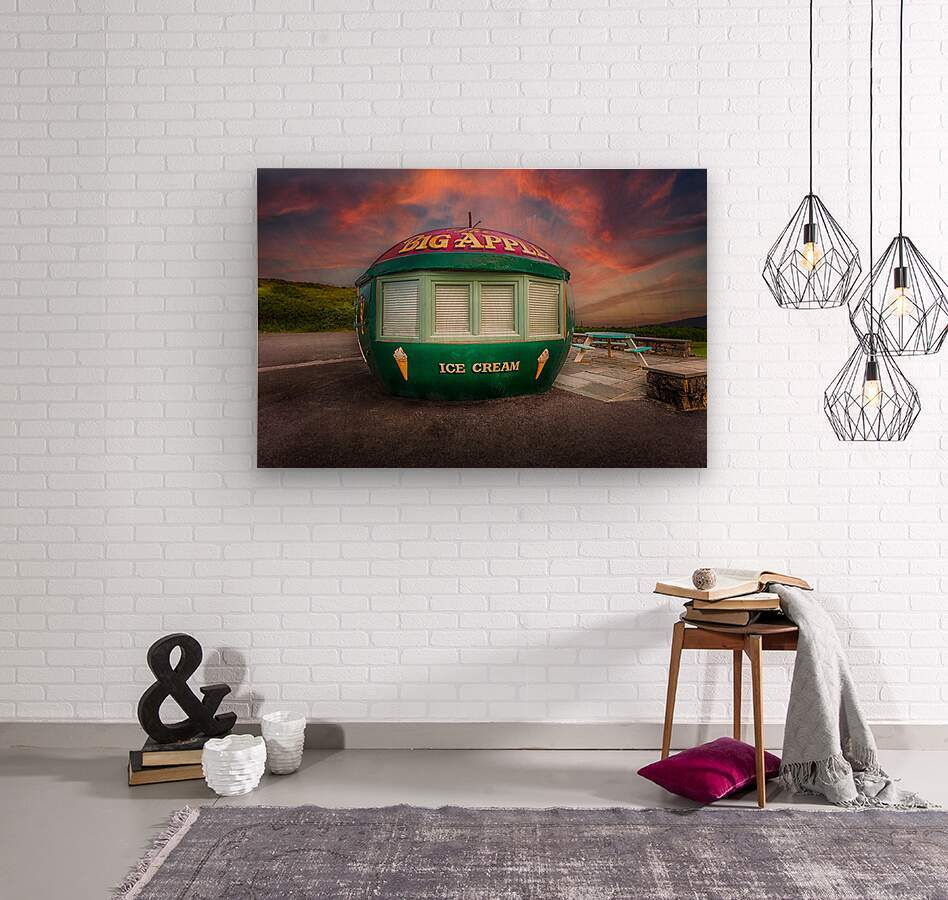 Big Apple Kiosk in Mumbles  Wood print