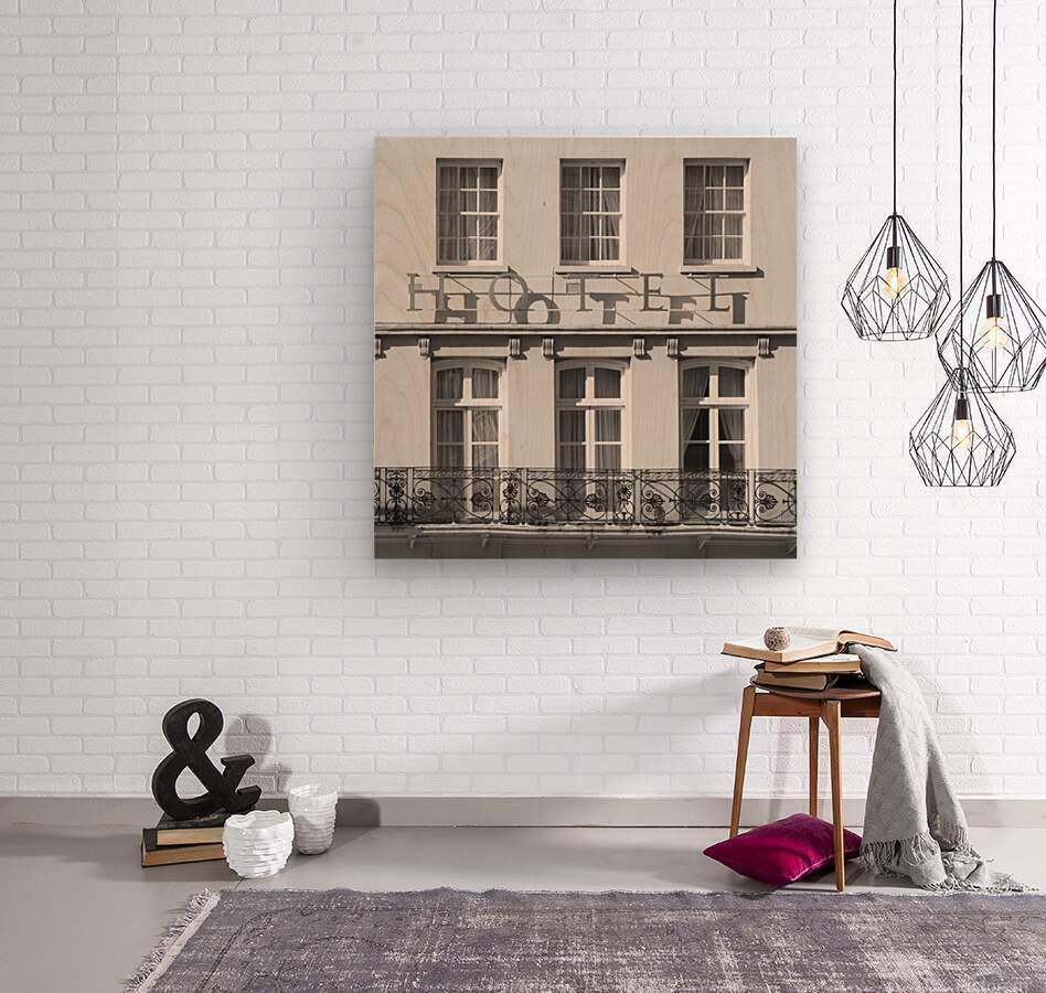 Hotel in Windosr  Wood print