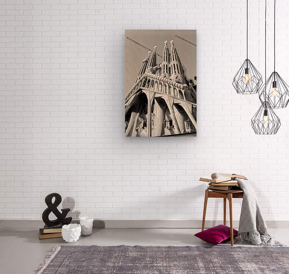 Barcelona Cathedral - La Sagrada Familia in black and white  Wood print