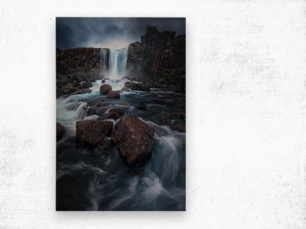 Una cascada. Wood print